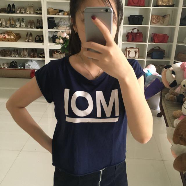 PULL AND BEAR MOI shirt