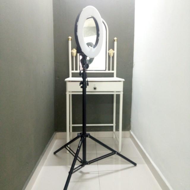 Ring Light Makeup Artist Saubhaya