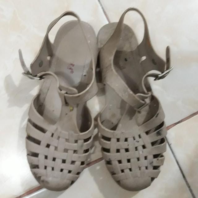 Sandal sepatu santai