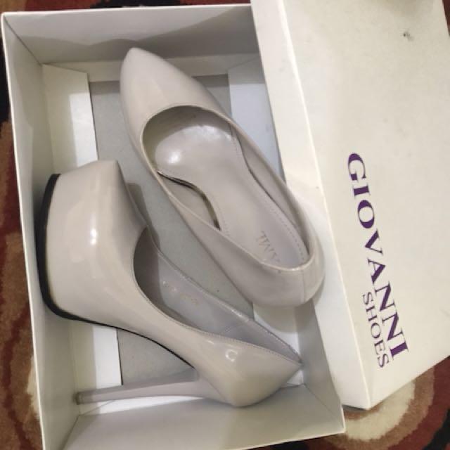 Sepatu geovanni