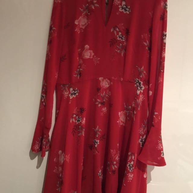 Sportsgirl Keyhole Dress
