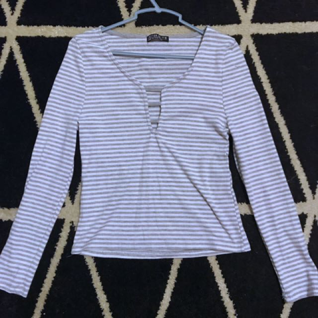 Striped Cut out Long sleeved top