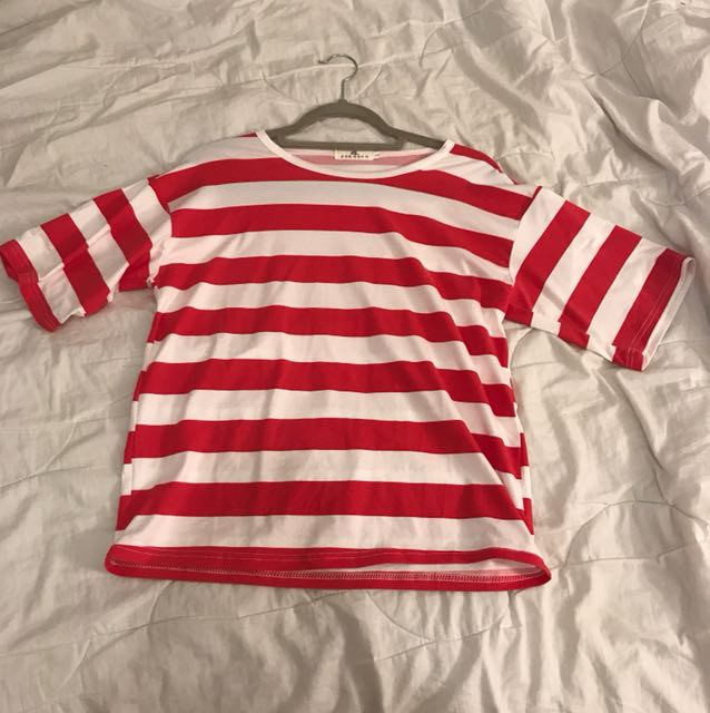 stripped red and white tee