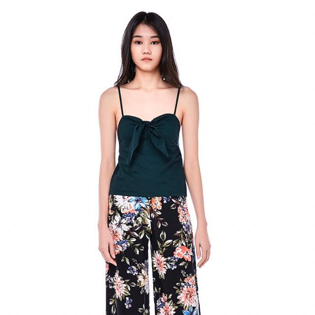67e0205d1a40c4 TEM MEARA FRONT-TIE CROP TOP, Women's Fashion, Clothes, Tops on ...