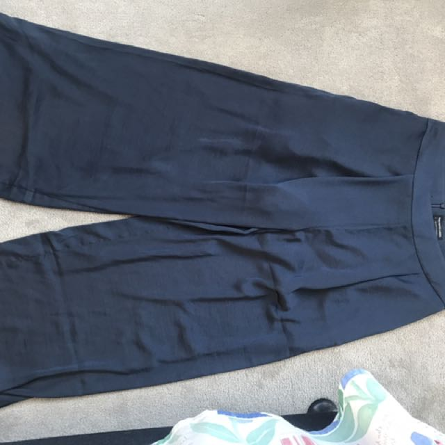 The fifth wide brim silk pants