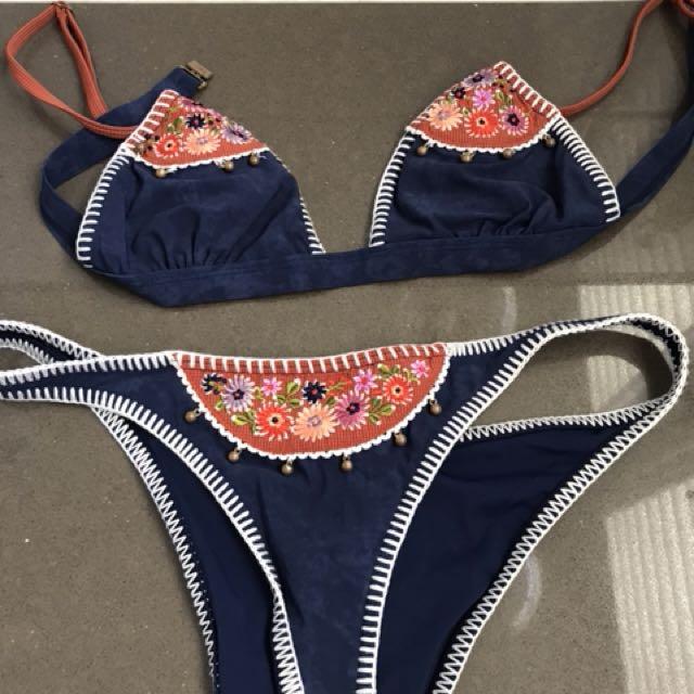 Tiger lily bikinis size 8