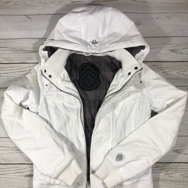 TNA white jacket XS