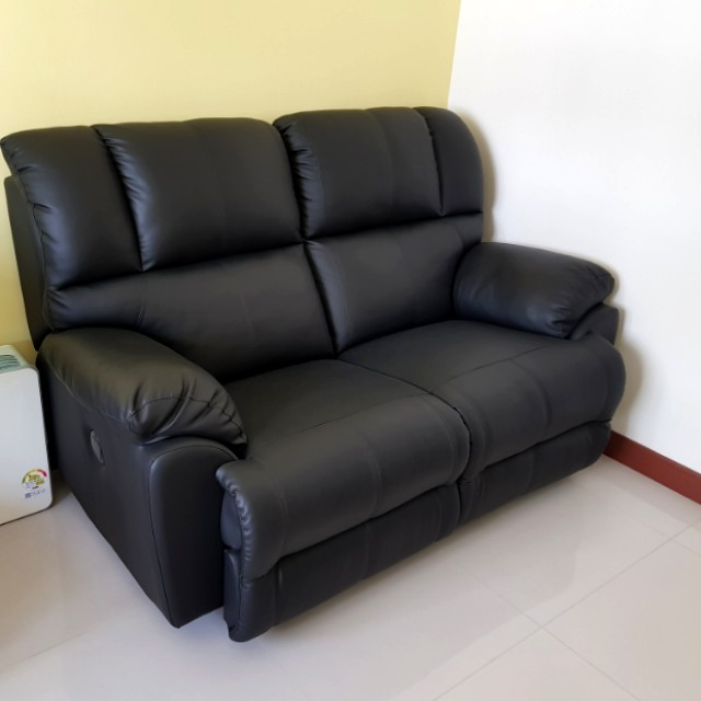 Under Used Pu Leather 2 Seater Recliner Sofa Black Furniture