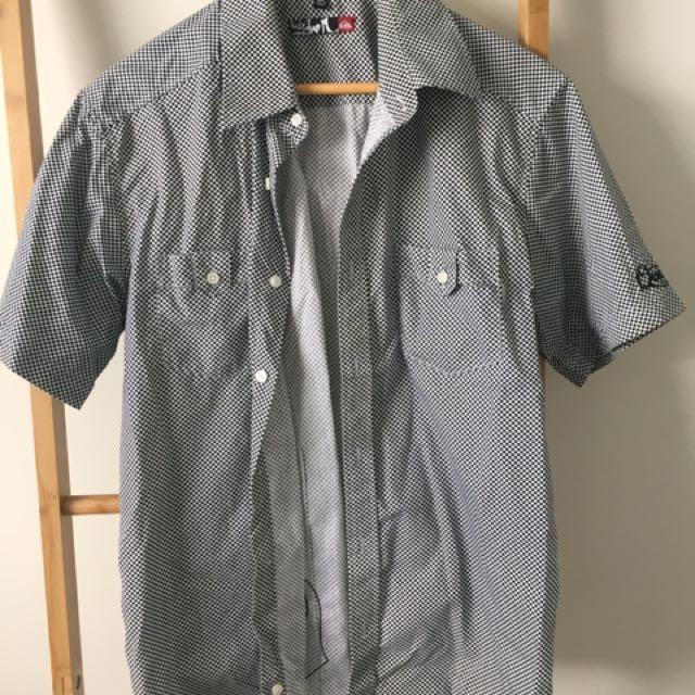 Vintage Skater Shirt - Quiksilver Size M