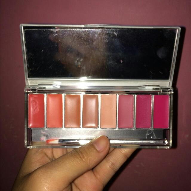 Wardah lip palette pinky peach