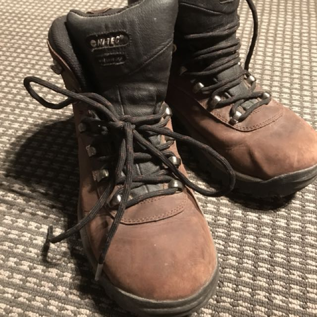 435b62e00ad Women's leather hiking boots, Sports, Camping & Hiking on Carousell