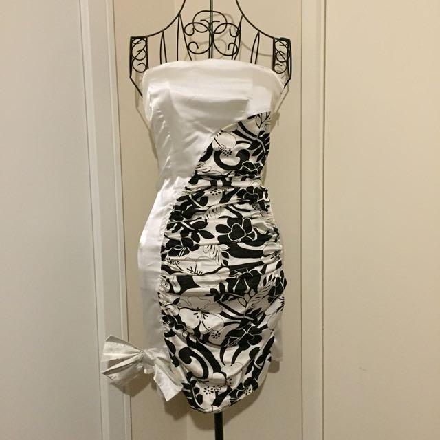 (XS) black& white strapless dress