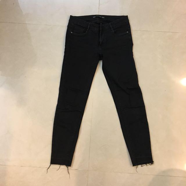 Zara trafaluc denimwear essential 牛仔褲 黑色 全黑 漸層 鬚邊 刷破 中腰 低腰