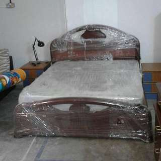 Queen Size Bed Framed With Mattress