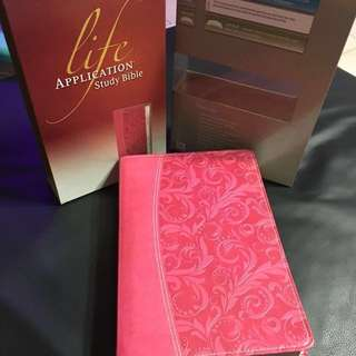 NIV Life Application Study Bible (Pink leather cover)