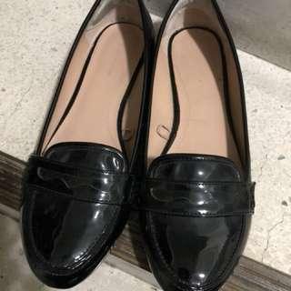 Zara 平底黑色皮鞋 學生鞋 尺寸23.5 9成新