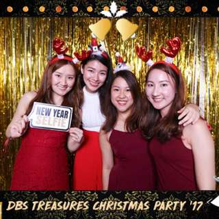 Photo booth with unlimited prints!