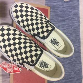 Classic Slip-On (Authentic) size W 8.5