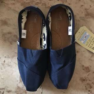 Toms Classic Canvas (Free Shipping)