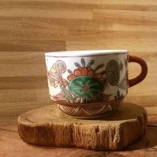 大明嘉靖年製手繪有耳咖啡杯一隻(應該屬仿品)