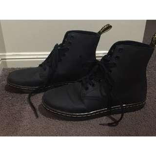 Dr Martens Shoteditch Matte Leather Boots Size 9
