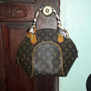 LV Ellipse Limited Monogram PM
