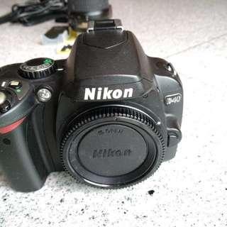 Nikon D40 body + lens + batt + charger + accessories