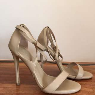 Spurr nude strap heels size 6