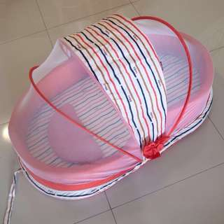 Portable Baby Bedding Crib with Mosquito Net (Sweet Cherry)