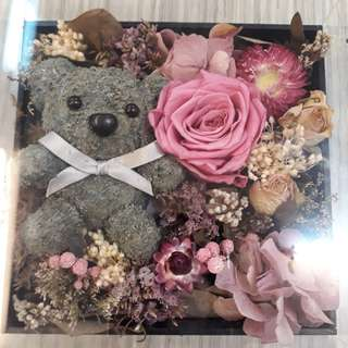 Dry flower box with preserve rose