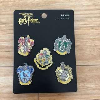 Harry Potter Hogwarts Miniature Crest Pin Set