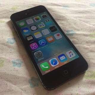 RUSH!! iPhone 5 32GB Black Smart-locked