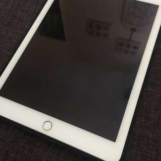 iPad Air 2 64GB (negotiable)