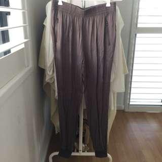 Tempt grey pants