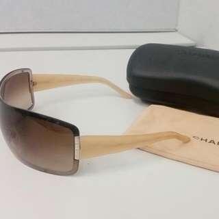 Authentic Chanel Shield Sunglasses Model 4126 RP$600