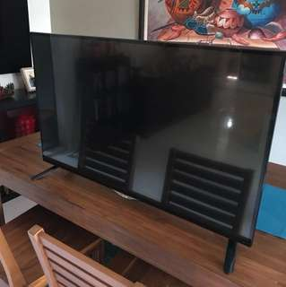 LG 4K TV 42inch Like New