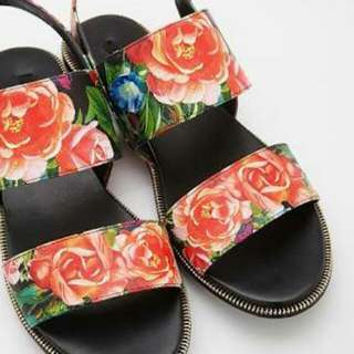 Forever 21 floral Sandals US 6