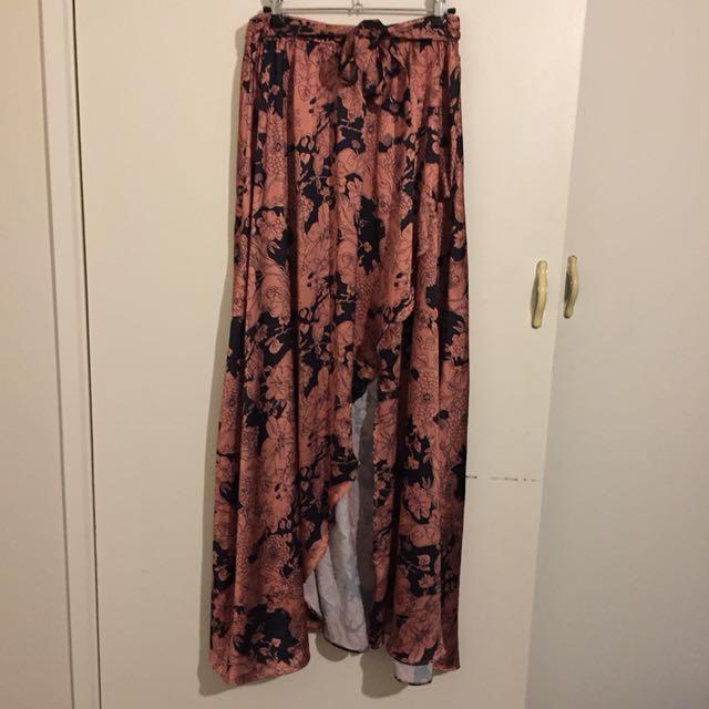 (10) High-waisted maxi skirt