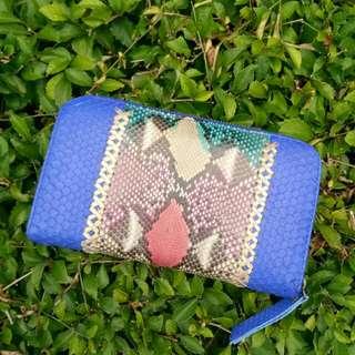 Dompet kulit ular biru