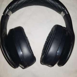 Samsung level over headset