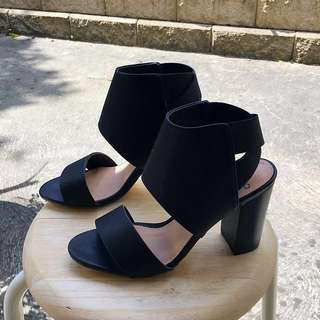 NOVO | BLACK HEELS - 7 (New/Unworn)