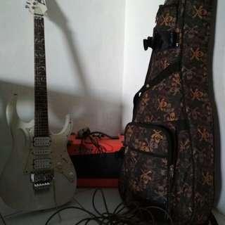 Dijual gitar ibanez.