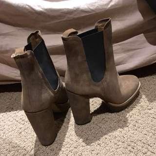 Real suede heel boots