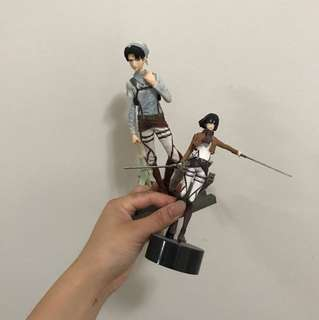 attack on titan mikasa and levi ackerman figurines