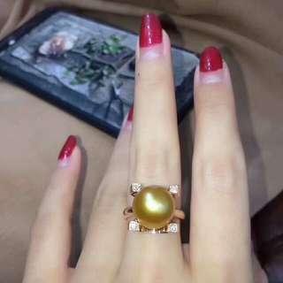 18k鑽石💎戒指搭配9-10m厚金版戒指。 簡約高雅。