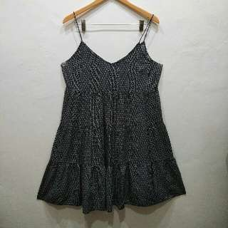H and M / H&M black-white flower mini dress