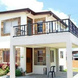 CARMONA ESTATE - OAKWOOD house model