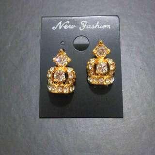 🚚 (全新降價)小皇冠針式耳環
