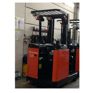 Reconditioned 1 .5 Ton Reach Truck