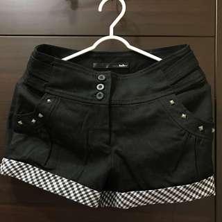 Baiter 黑色短褲